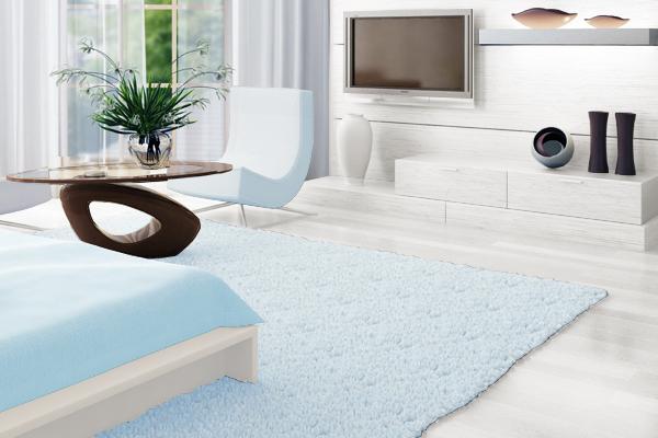 白×薄いブルーでまとめた部屋