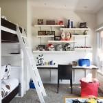ベッドと机をどう配置する?参考になる子供部屋レイアウト33選