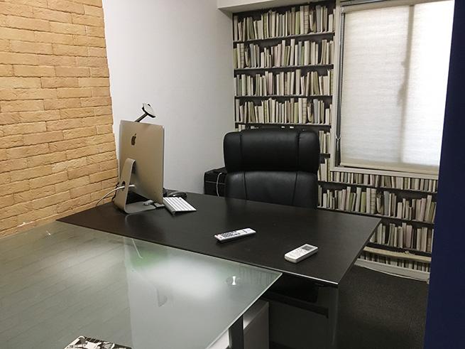 仕事部屋の本棚