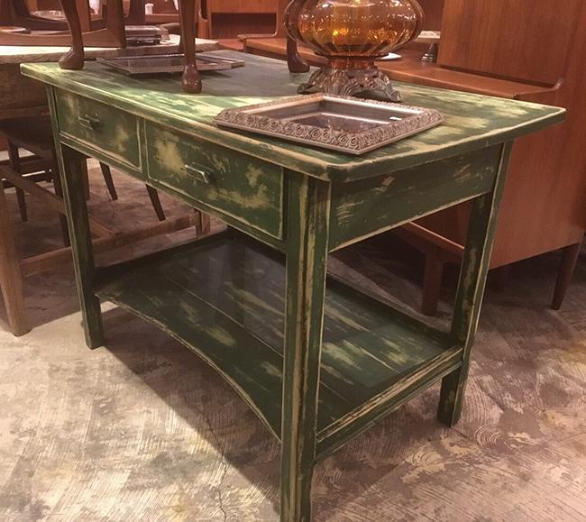 ヴィンテージショップで見つけたテーブル
