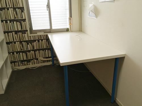仕事部屋のデスク&本棚のレイアウト