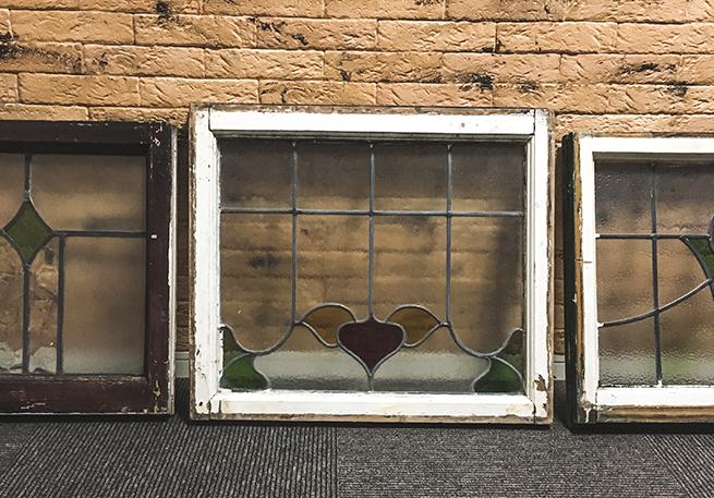 ヴィンテージショップで買った窓枠