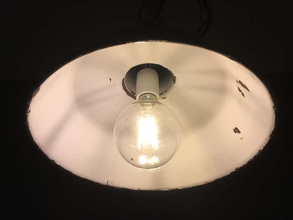 エジソンランプLED電球点灯時