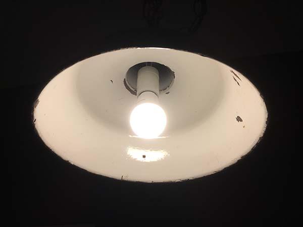 LED電球 電球色 100W点灯時